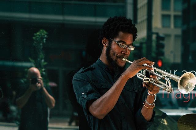 Jazzed streaming un hombre toca la trompeta